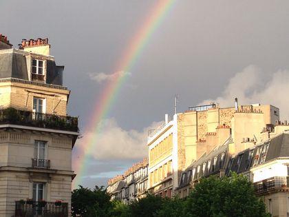パリ、モンマルトル西側のアパート